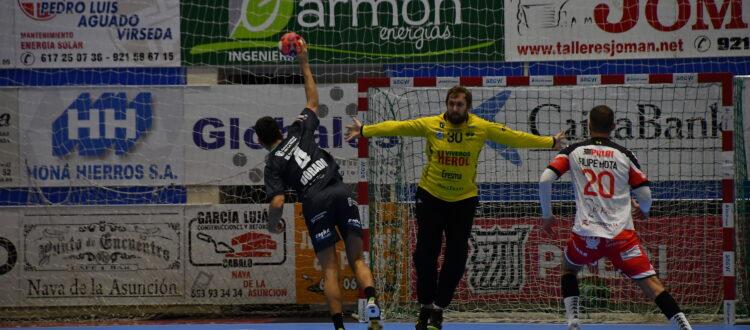 Patotski ante Moreira / Foto: Dani Pérez